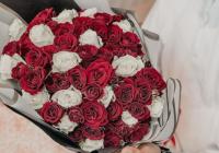 hand-bouquet-red-rose-mawar